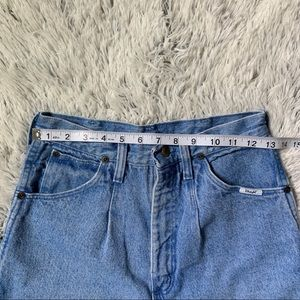 Wrangler Shorts - Vintage Wrangler Frayed Mom Shorts